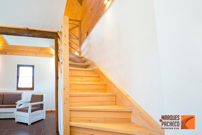 Tenha as escadas em madeira que sempre desejou!